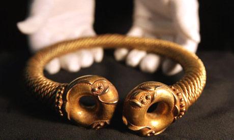 gold-collar